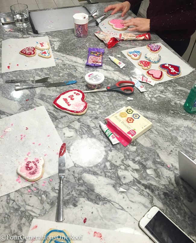 Decorating Valentines Day Cookies