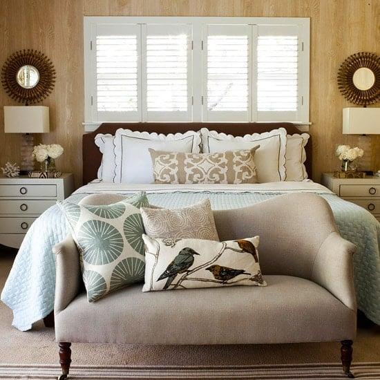 36-cozy-master-bedrooms-faux-bois-wallpaper