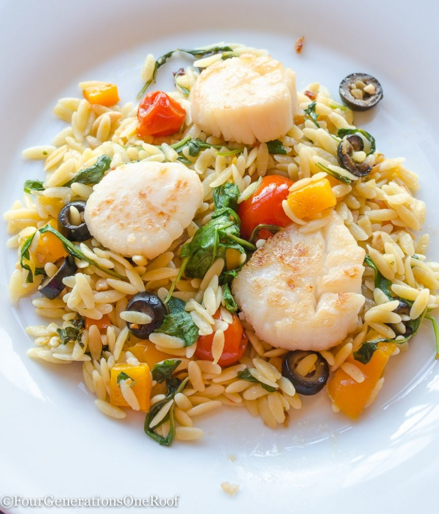 Delicious Scallops recipe + orzo + tomatoes + peppers