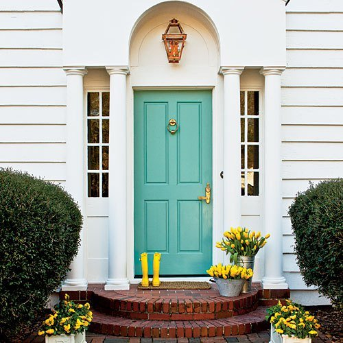 front porch ideas / Paint Your Front Door Featured on How to Build It