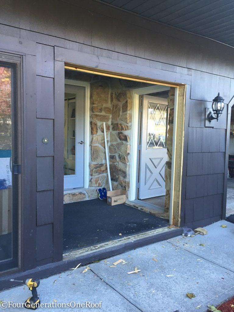 How to install a door / Installing new doors foyer renovation-20