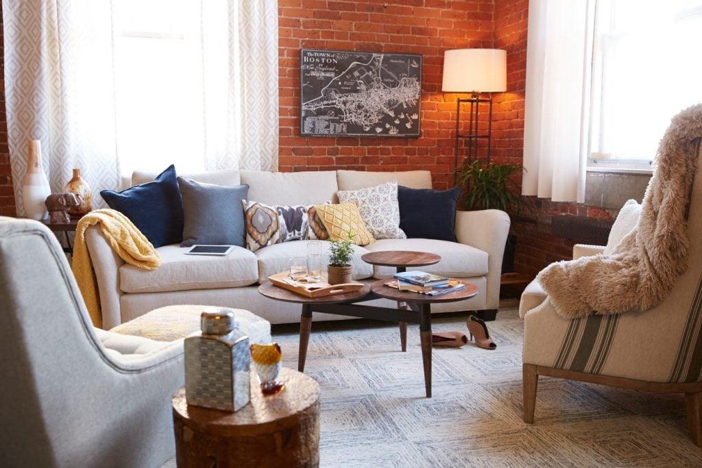 Mid Century Modern living room {homegoods behind the scenes}
