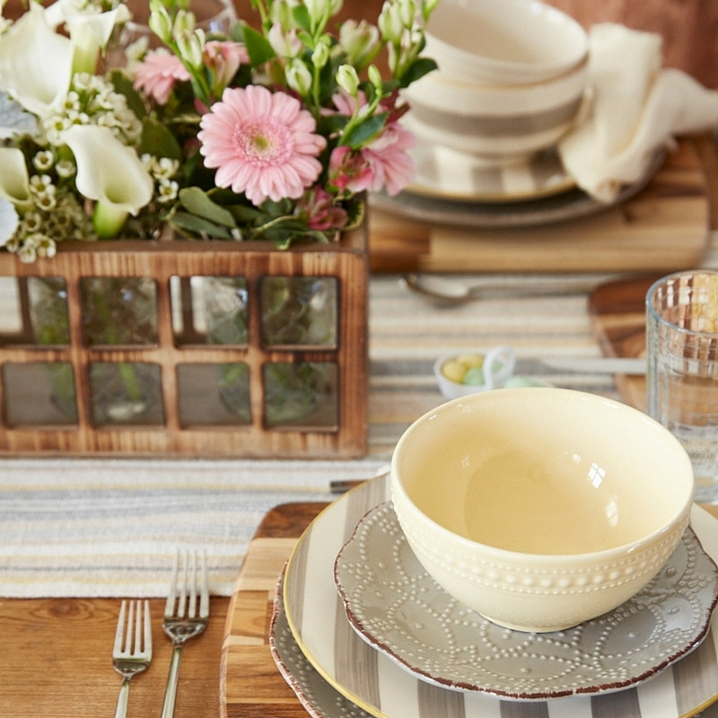 gorgeous dining table {behind the scenes at HomeGoods photoshoot} Casual dining table