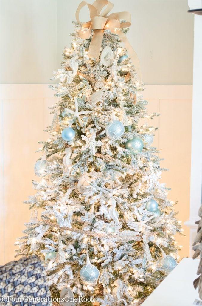 Coastal christmas decor - How To Create A Coastal Christmas Tree
