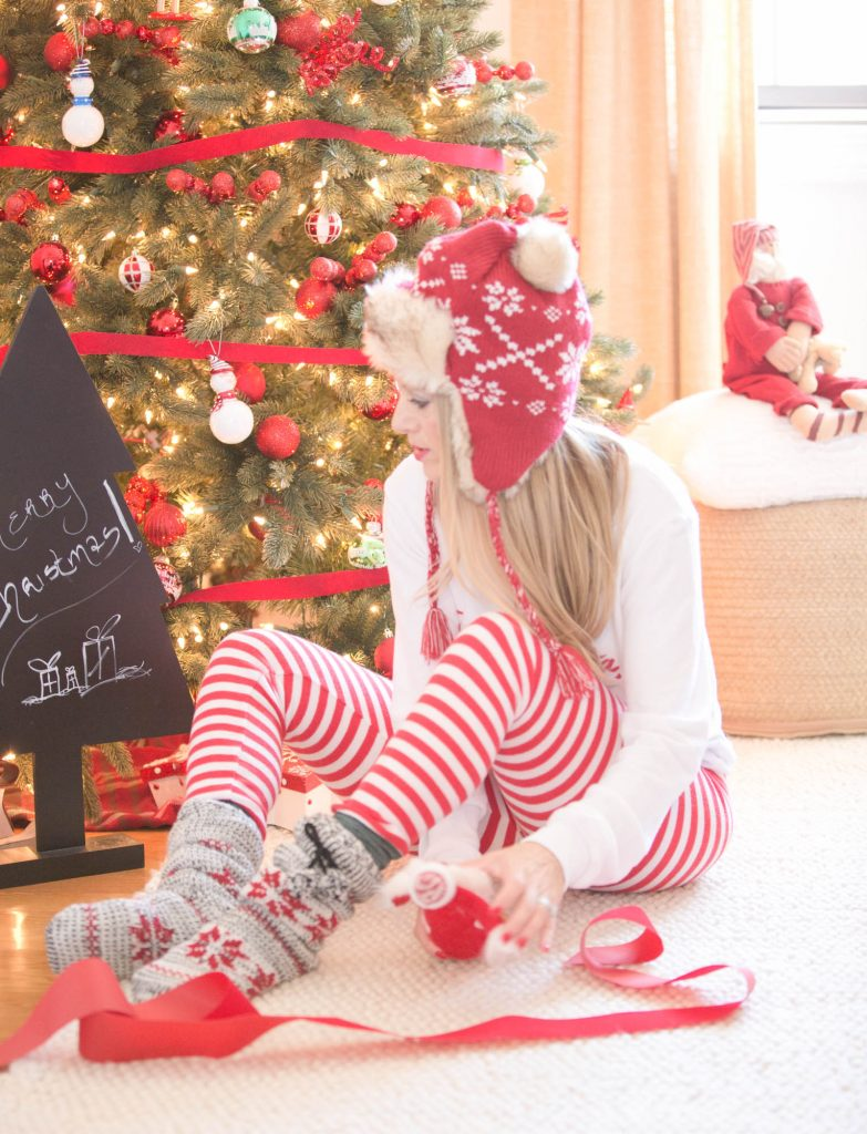 Red and White Christmas Family Photo Shoot