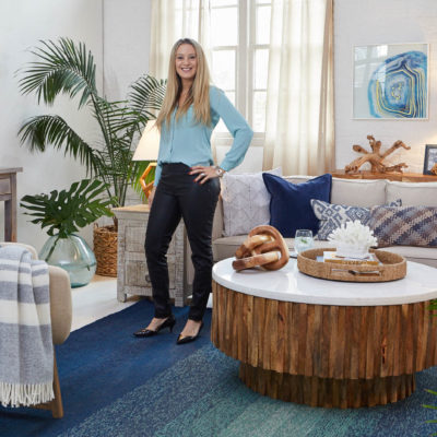 5 Tips To Nail a Navy Blue Coastal Living Room