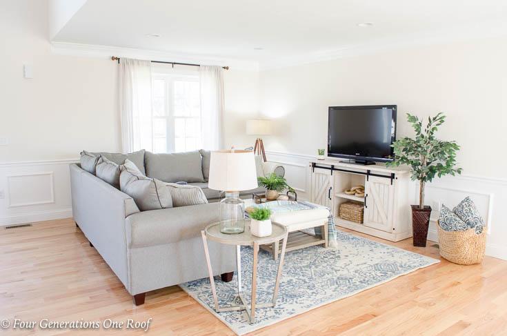 Open Floor Plan House for Sale Staging Project -- #gofinding #propstyling #houseforsale #housestaging #foyer #decor #interiordesignideas #interiordesign #homegoods