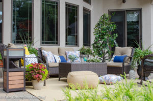 How to Spruce Up a Patio with Solar Powered Outdoor Speaker