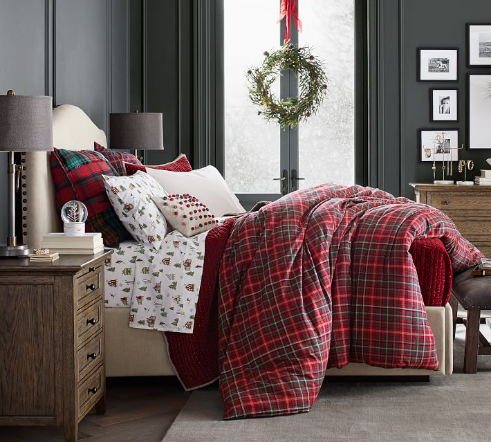 Christmas bedroom navy walls plaid duvet + Christmas tree sheets | how to decorate a Christmas bedroom