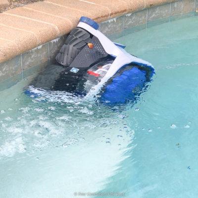 Best Pool Cleaning Robot – Hayward AquaVac 6 Series