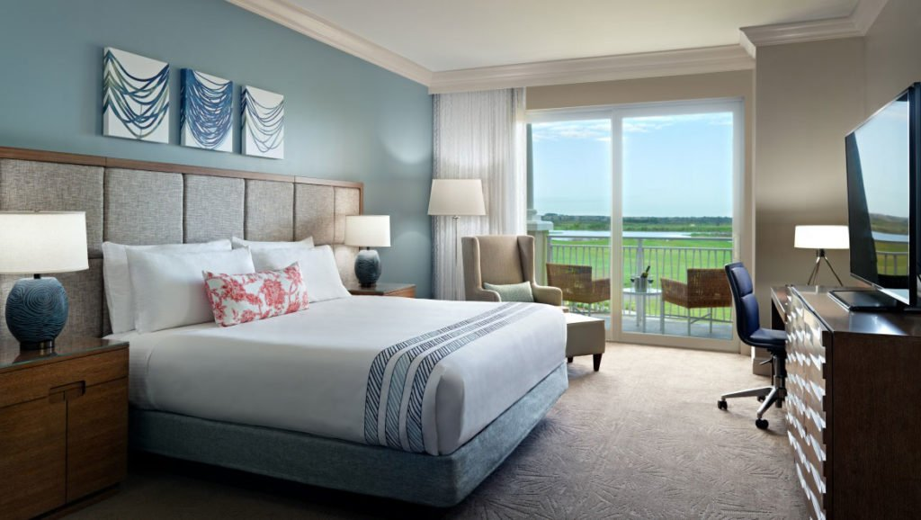 Sunset Lodge Omni Resort King with balcony
