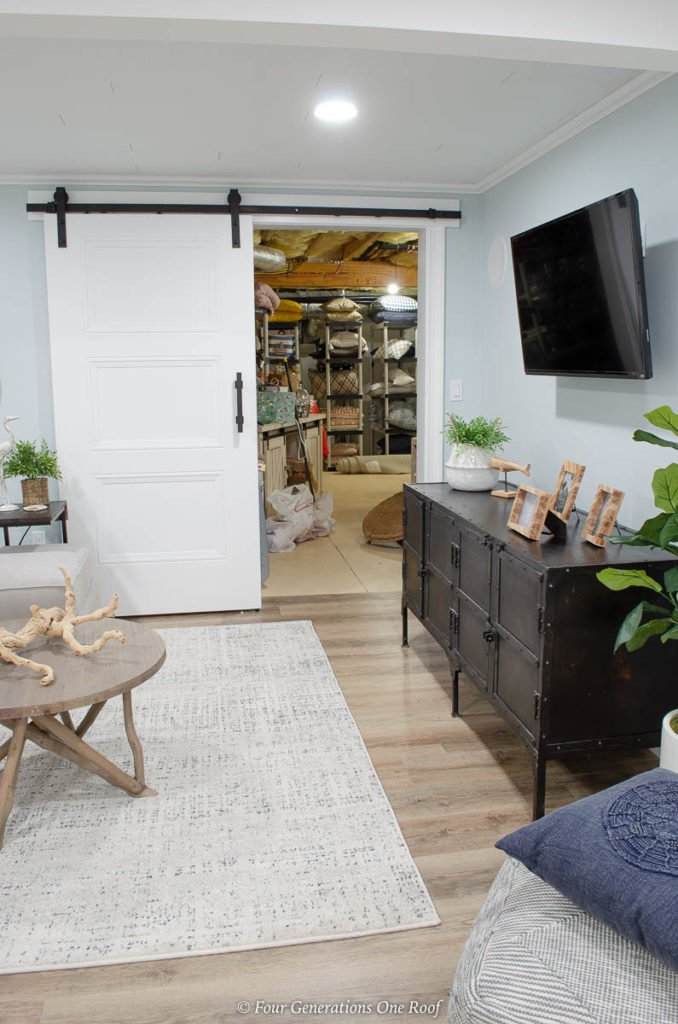white masonite livingston 6'8 solid interior barn sliding door