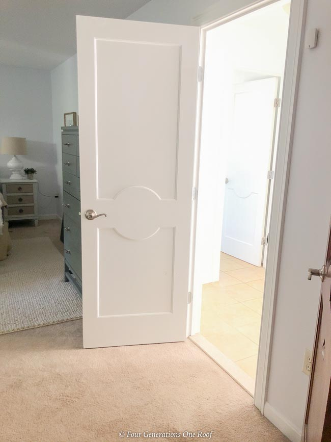 jack and jill master bedroom with hallway access