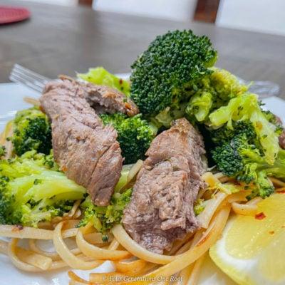 Low Calori Sesame-Garlic Beef Tenderloin with noodles