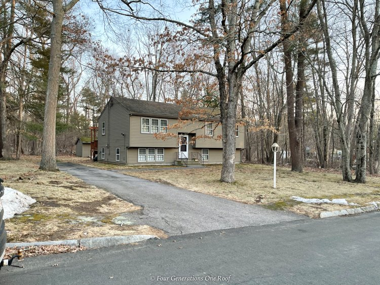 Split level house Foxboro Ma brown siding