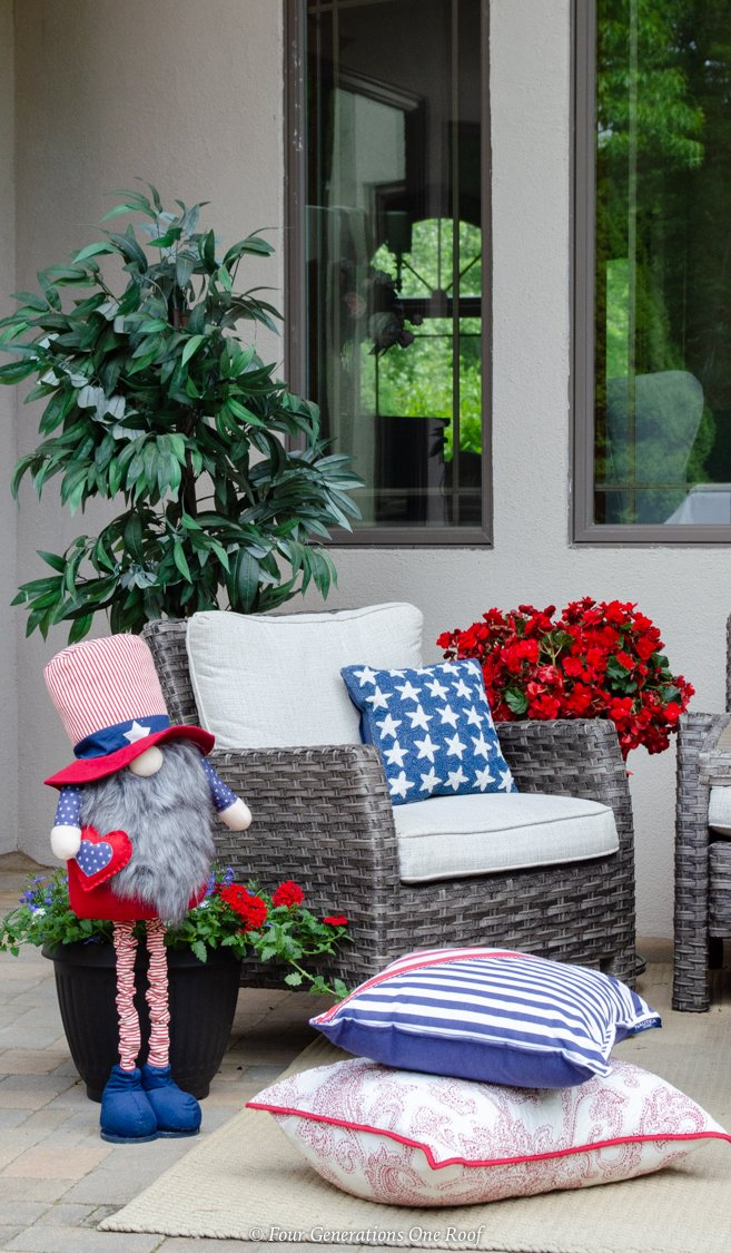 4th of July pillow patio decorations